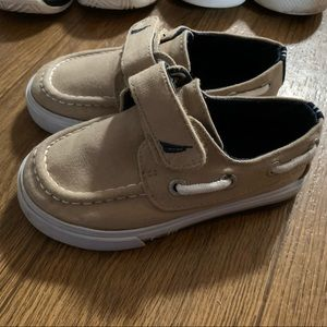 Toddler boys Nautica boat shoes sz 7